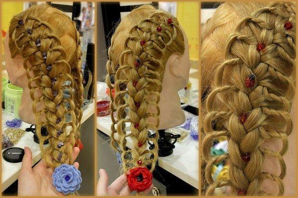 Ажурная коса на манекене