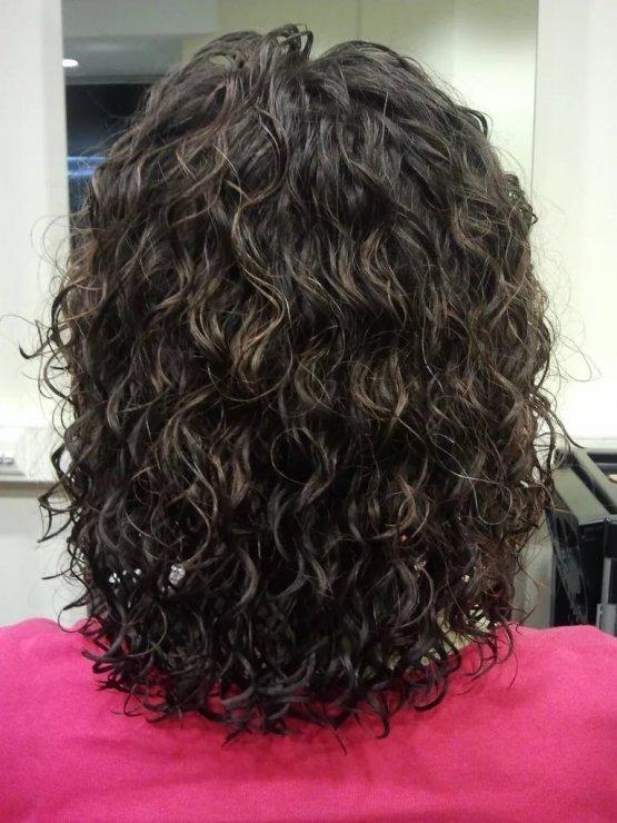 биозавивка на волосах средней длины