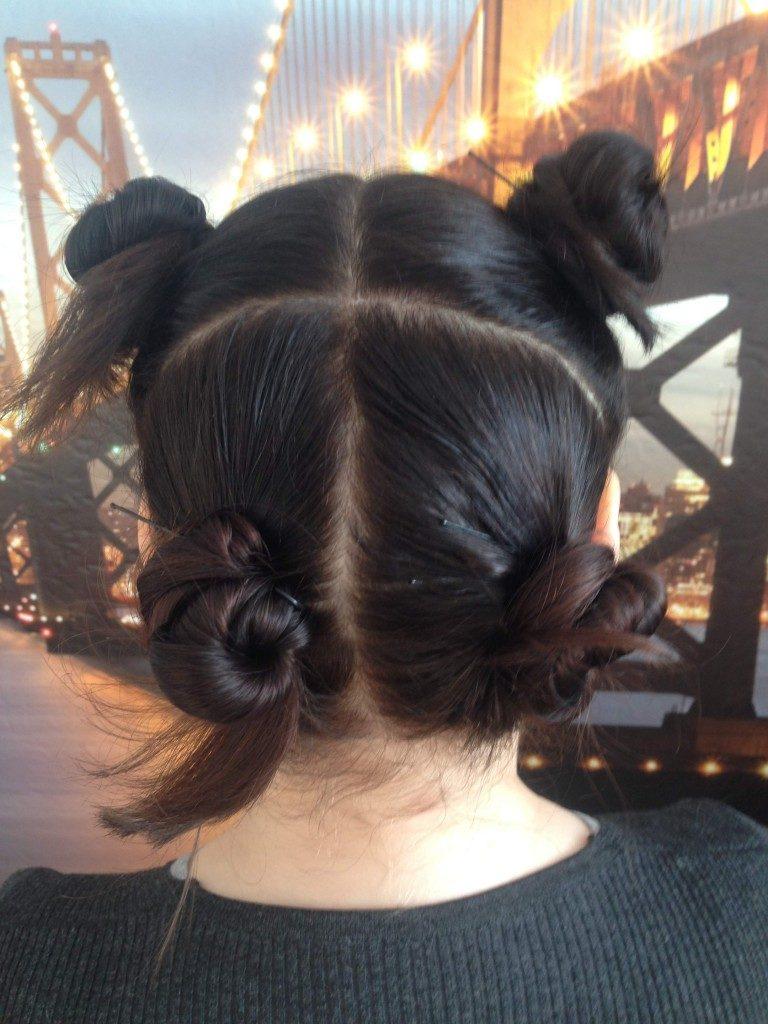 разделение волос на зоны перед накруткой на бигуди