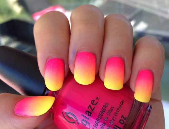 bright ombre manicure