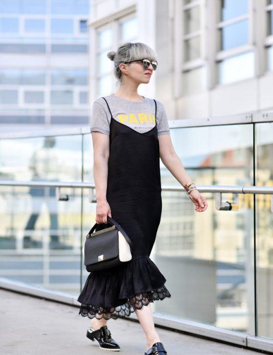 Черное платье в бельевом стиле на футболку