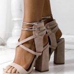 бежевые туфли на тесемках