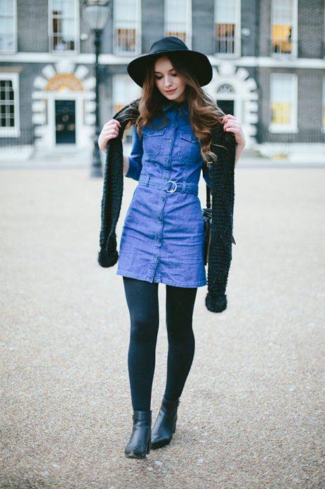 джинсовое платье и вязаный шарф