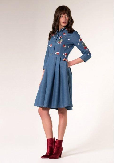 джинсовое платье миди с цветами