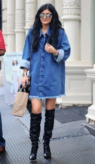 джинсовое платье мини лук