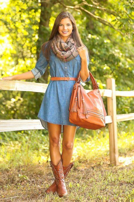 джинсовое платье с рыжей кожей
