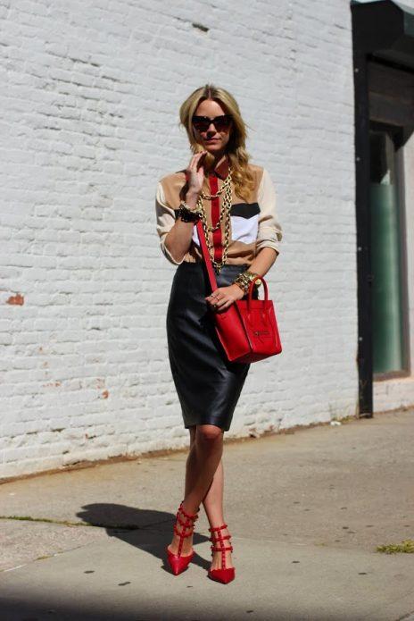 Красные туфли под образ в стиле ретро