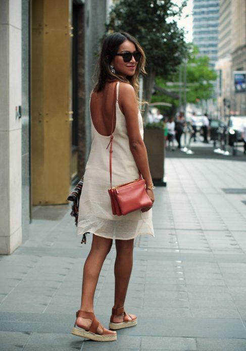 летнее платье с босоножками
