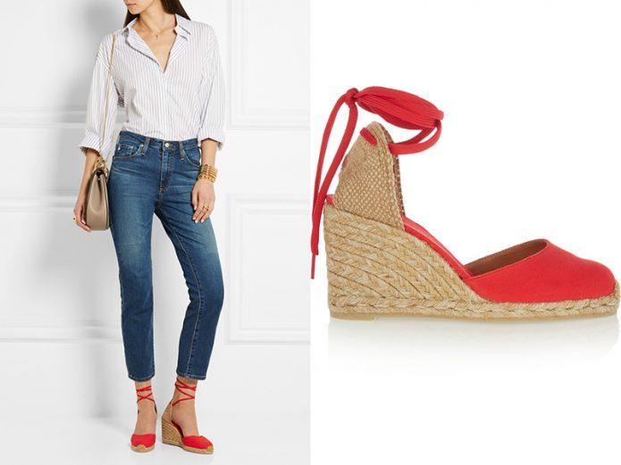 Красные туфли на танкетке под джинсы и рубашку