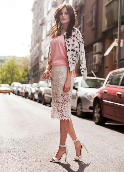 кружевная юбка и ветровка