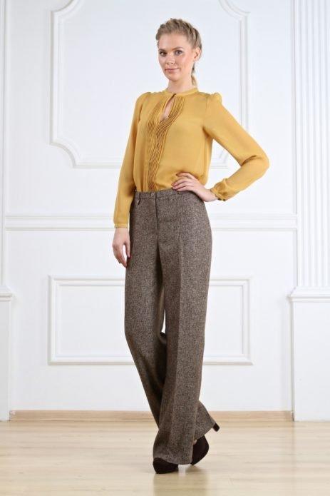 серые брюки прямые