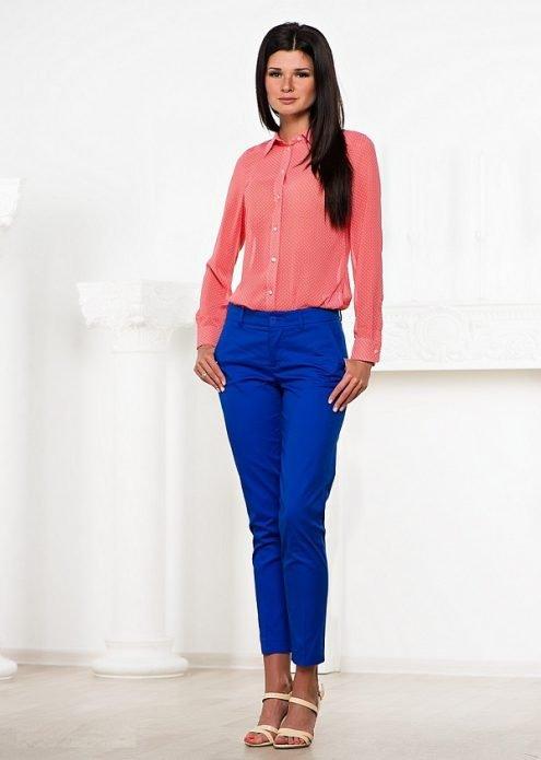 синие льняные брюки лук