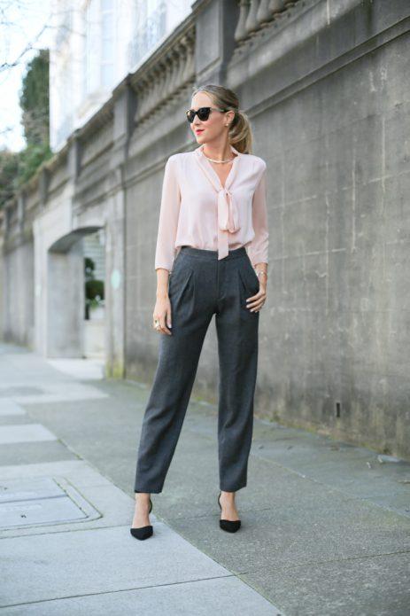 светлые льняные брюки серые