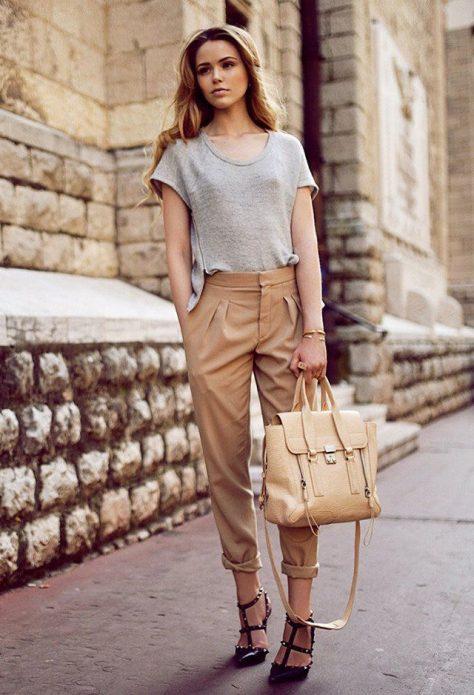 светлые льняные брюки бежевые