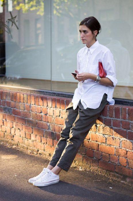 насыщенно-серые брюки