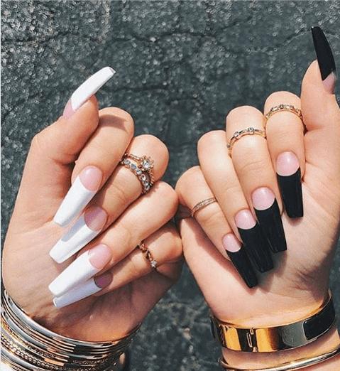 Черно-белый маникюр френч на длинные ногти