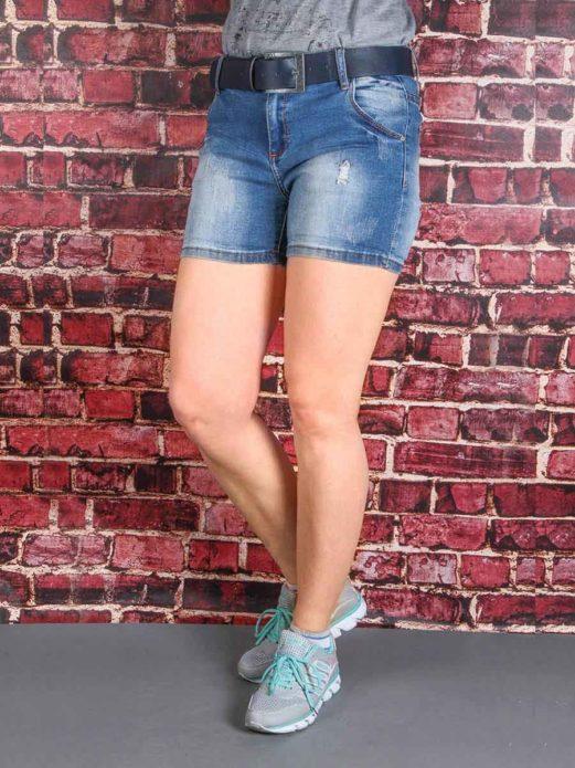 Джинсовые шорты с ремнем для полной женщины