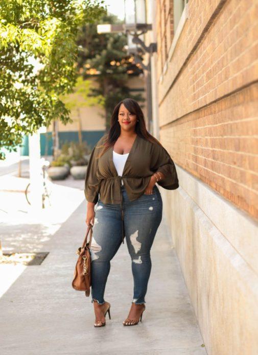 Рваные джинсы с высокой посадкой для полных женщин