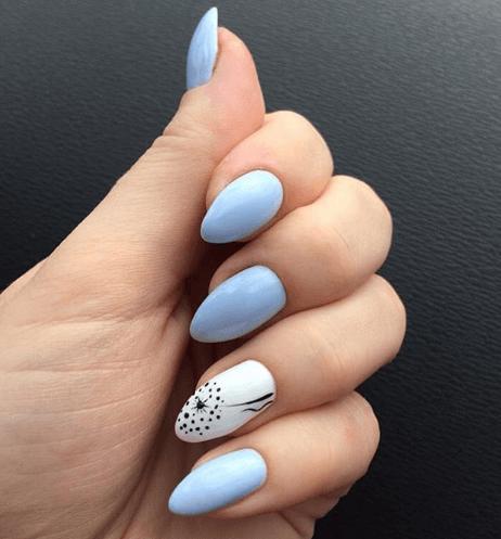 Голубой маникюр с белым и одуванчиком