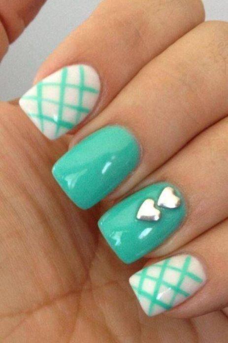 мятные ногти сердечки