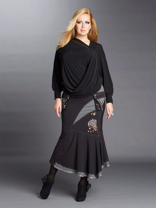 Офисный вариант юбки с драпировкой для полной женщины
