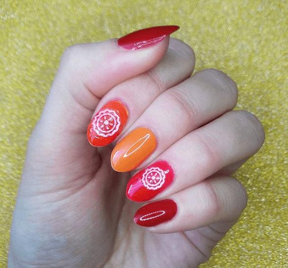 Оранжево-красный маникюр
