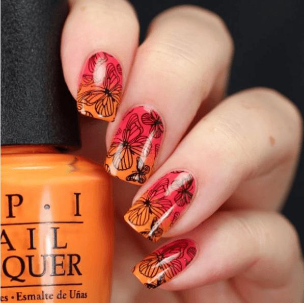 Оранжево-розовый маникюр с бабочками