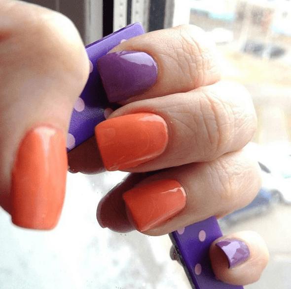 Оранжевый маникюр с фиолетовым
