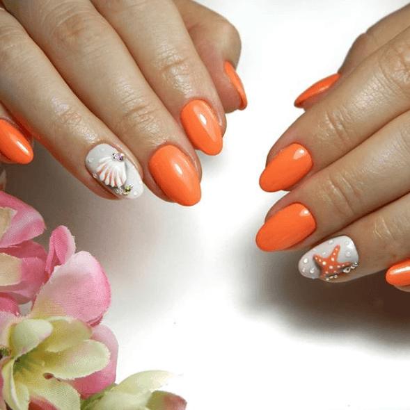 Оранжевый маникюр с морским дизайном