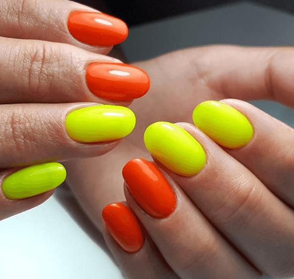 Оранжевый маникюр с желтым