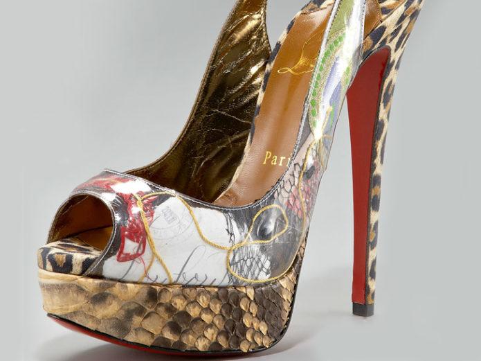 Туфли от Christian Louboutin с открытым носком