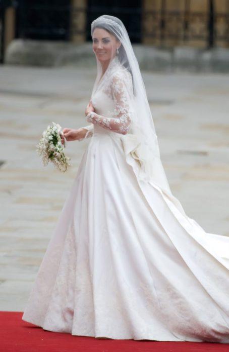 Кейт Миддлтон в свадебном платье