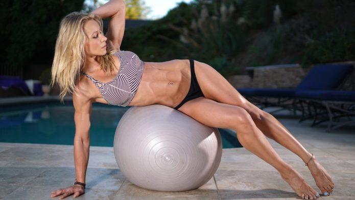 Фитнес-модель Зузана Лайт