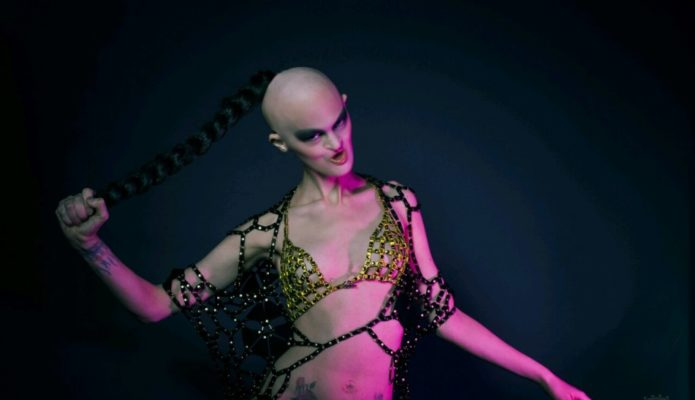 Мелани Гайдос — фото со съемок клипа Rammstein