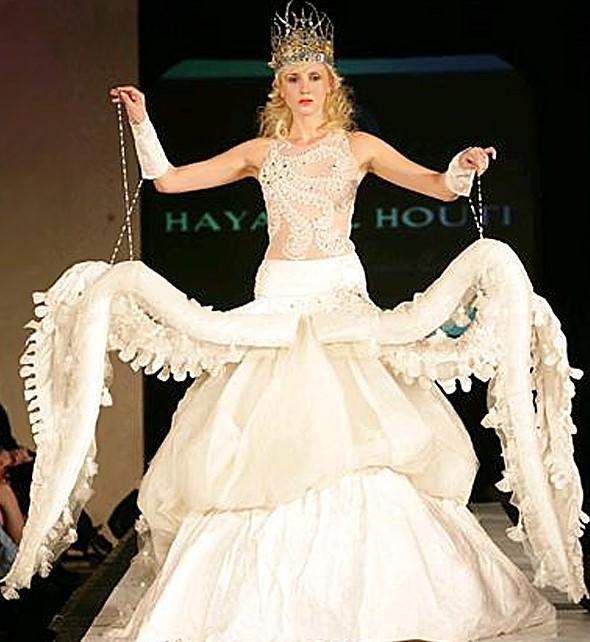 Свадебное платье в виде осьминога