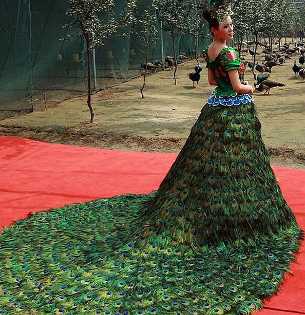 Свадебное платье в стиле павлина