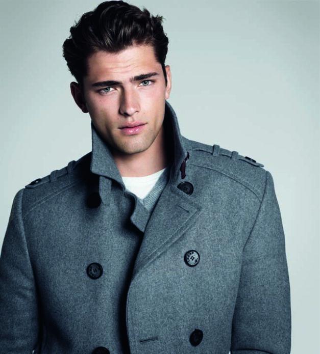Шон О'Прай в стильном пальто