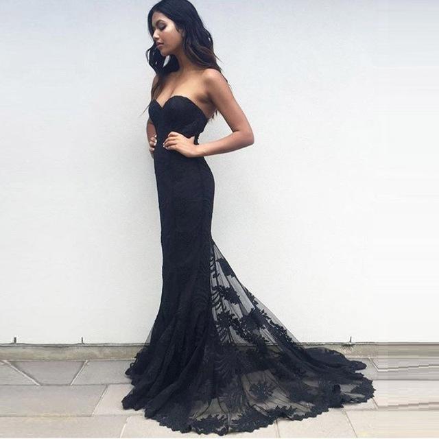 Красивое платье силуэта «рыбка» чёрное