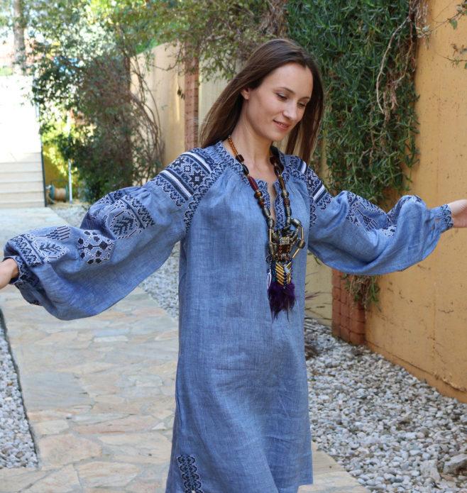 Этническое платье бохо с ожерельем в стиле хенд-мейд
