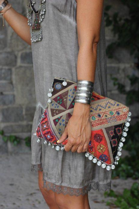 Платье бохо с тканевым клатчем
