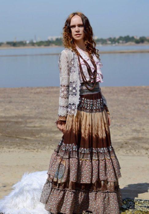Цыганское платье бохо с вязаной кофтой