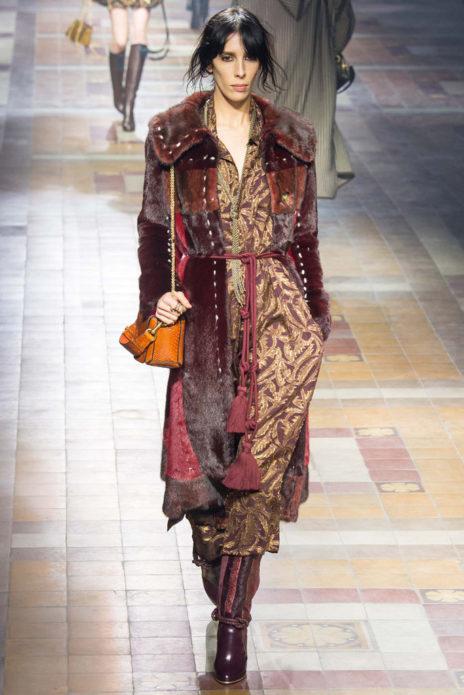 Платье бохо с меховым кардиганом