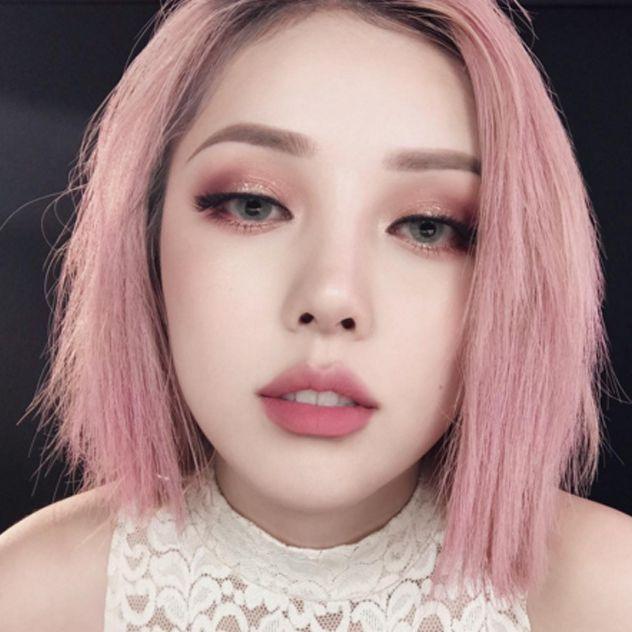 Корейский макияж с созданием эффекта припухлости нижних век