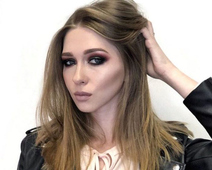 Эффект таинственных глаз в греческом макияже