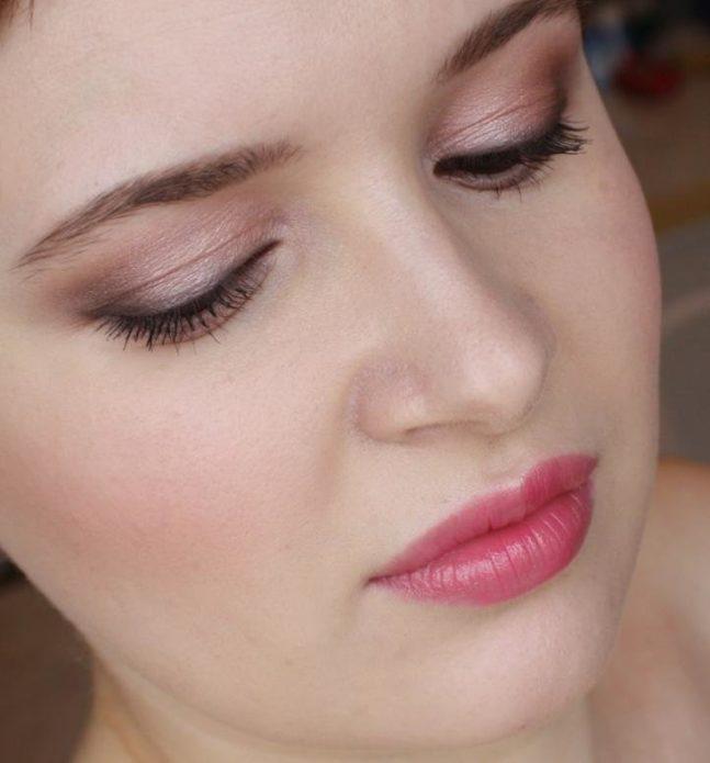 Повседневный розовый макияж