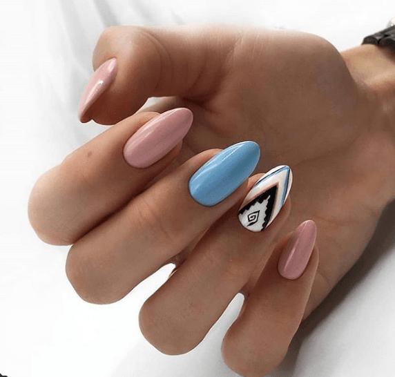 Розво-голубой маникюр с узором