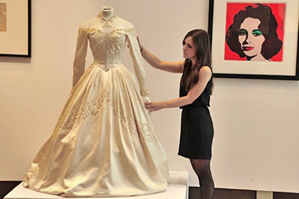 Свадебное платье Элизабет Тейлор на аукционе