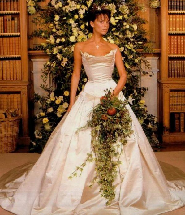 Виктория Бекхэм в свадебном платье