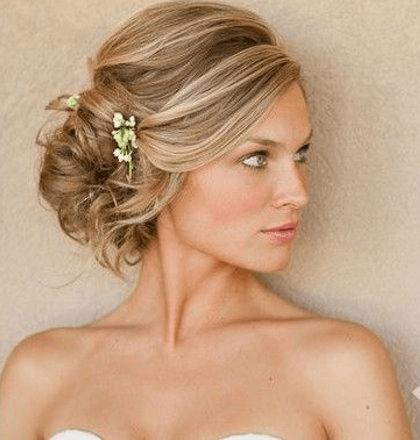 Греческая прическа для светлых длинных волос