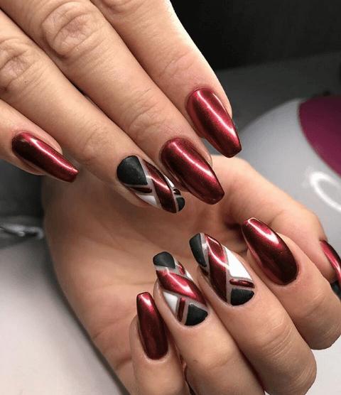 Красно-черный маникюр со втиркой